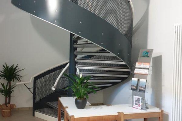 escalier abri pèlerin